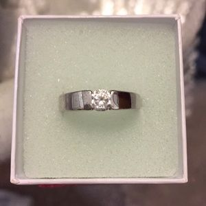Jewelry - 925 Sterling Silver Ring💍💎